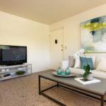 royal-glen_living-room